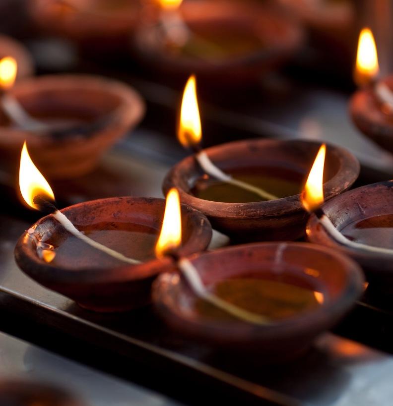 Kerzen in Nepal