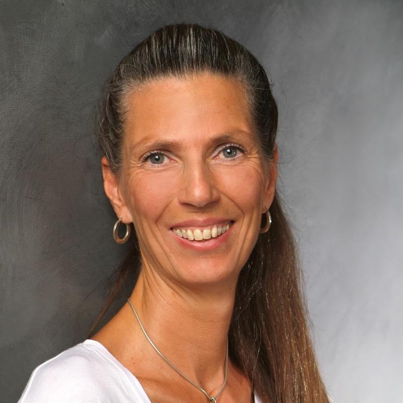 Anya Lange - Heilpraktikerin für Embodiment und Selbstregulation in Bonn - Portrait 1