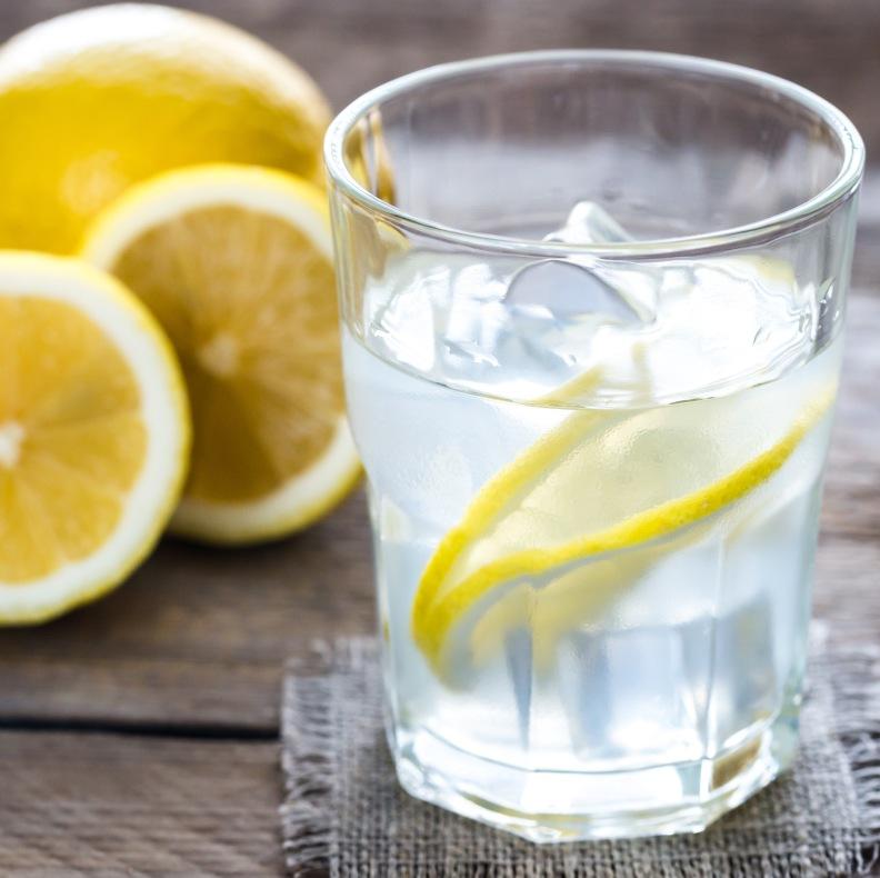 Zitronenwasser - Ausleitung und Entgiftung in der Ernährungsberatung in Bonn