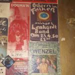 2019...auch diese Plakate von Pete Gavin, Michael Lenhardt, Wenzelband und Dogma'n...sehen aus als hängen sie seit 50 Jahren im Weimarer Falken...