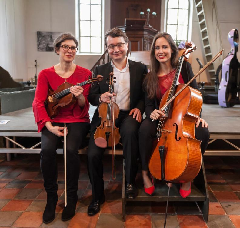 NNO String Trio Sergei Bolotny violin ulrike Adam viola Noelle Weidman cello