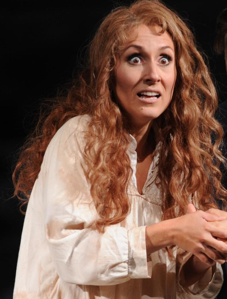 "Katja Bördner als ""Margherita"" in Boitos ""Mefistofele"", Regie: Philipp Kochheim, Ausstattung: Barbara Bloch"