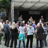 Im Museumsdorf in Senne spielen die Ferries auf zum Tanzfest