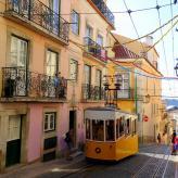 Mit der Tram: Sehenswürdigkeit in Lissabon