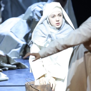 В роли сестры Дженовьевы в опере Дж. Пуччини «Сестра Анджелика» (Баварская государственная опера, Мюнхен). Фото: W. Hösl.