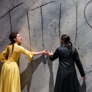"Als Servilia in W. A. Mozarts ""La clemenza di Tito"" (Annio - Jeanne Ireland, Opéra national de Paris). Foto von Emilie Brouchon."