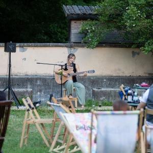 Isabel Jasse_Singer/Songwriter10