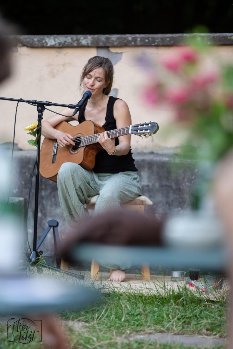 Isabel Jasse_Singer/Songwriter7