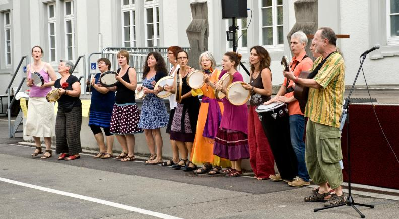 Sing and Drum_photo Ellen Schmauss