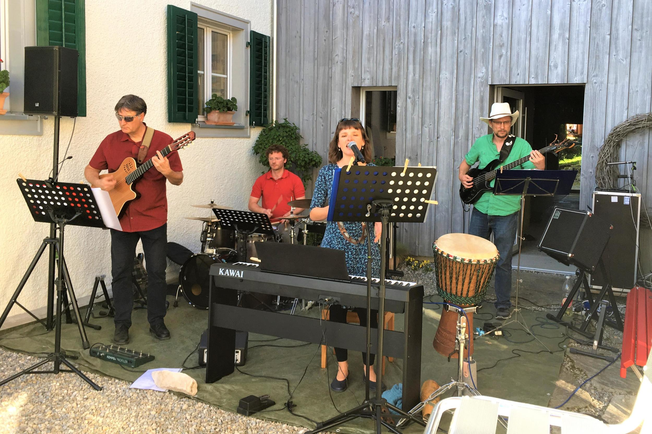 Eliro Dadi mit Elisabeth Wetzel, Dirk Kreuzer, Robert Kosche und Damien Joret