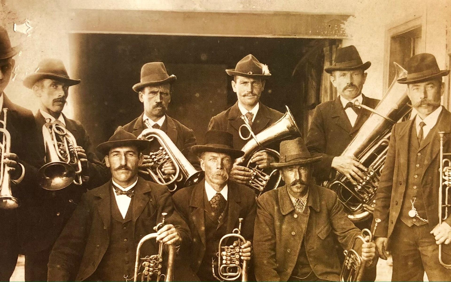 Die Ursprünge der Türkenfelder Blasmusik lassen sich bis 1900 zurückverfolgen